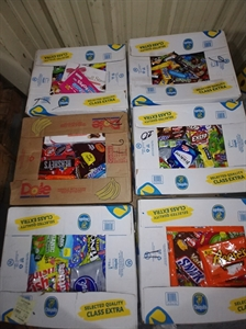 Picture of Banana Box Candy Pallets